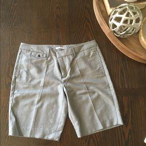 ⬇️ 3 for $20 Gap Stretch Trouser Bermuda Short
